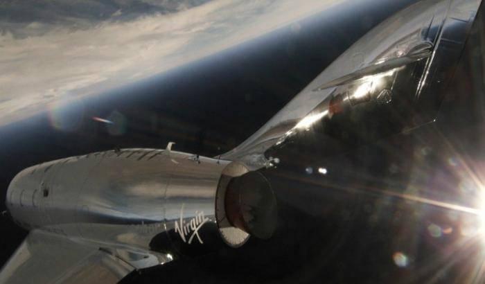 Primo volo supersonico per Virgin Galactic