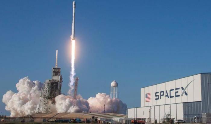 Costellazione Starlink: abortito il lancio