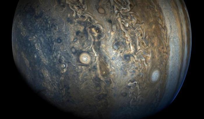 Giove, il pianeta gigante che da piccolo non riusciva a crescere