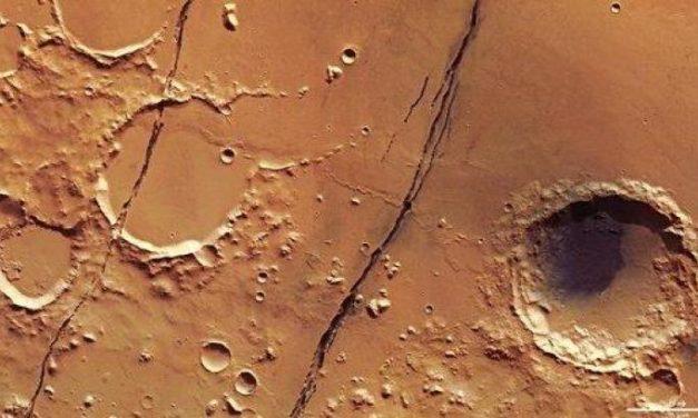 Crepe 'giovanili' sul volto di Marte
