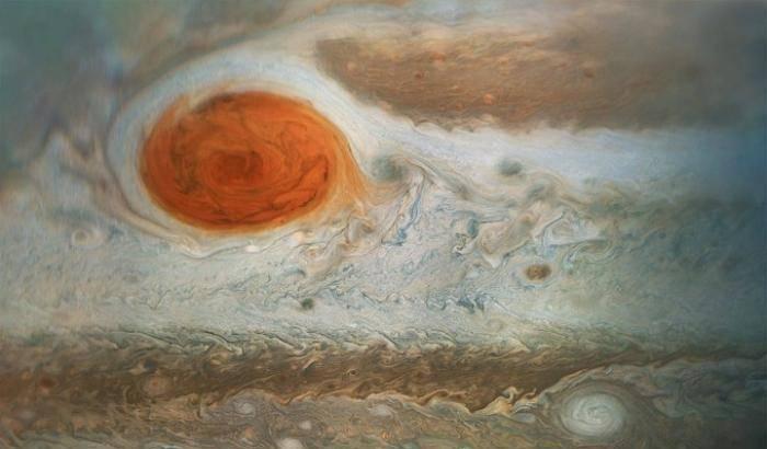 Juno, zoom sulla Grande Macchia Rossa