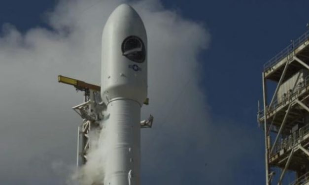 SpaceX lancia un mini shuttle militare