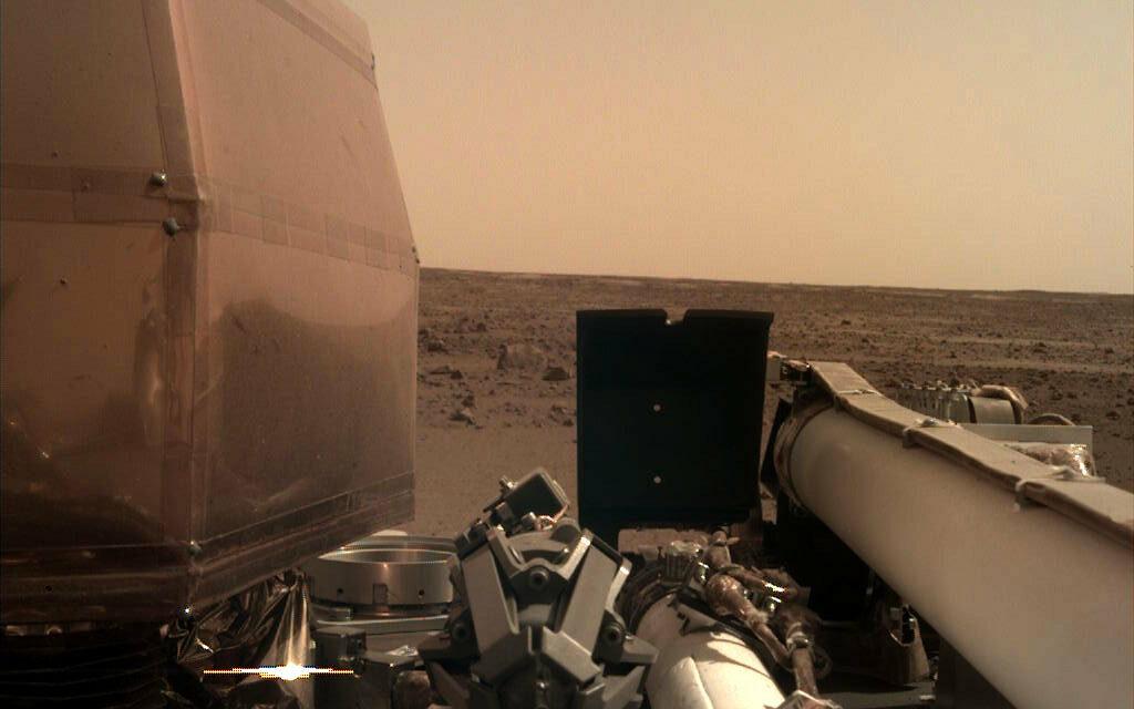 Mars Insight sul suolo marziano