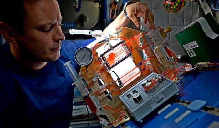 Come riciclare l'acqua sulla Stazione Spaziale Internazionale