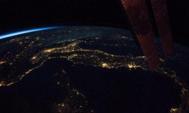 Dalla missione Vita al Voyager,un agosto spaziale