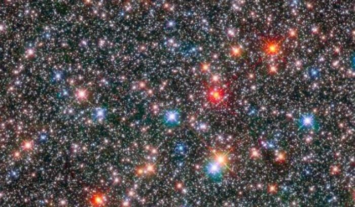 Il 'cuore' della Via Lattea nel mirino di Hubble