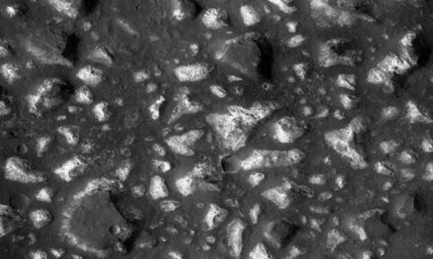 Mro osserva i depositi idrotermali nel Mare di Eridania