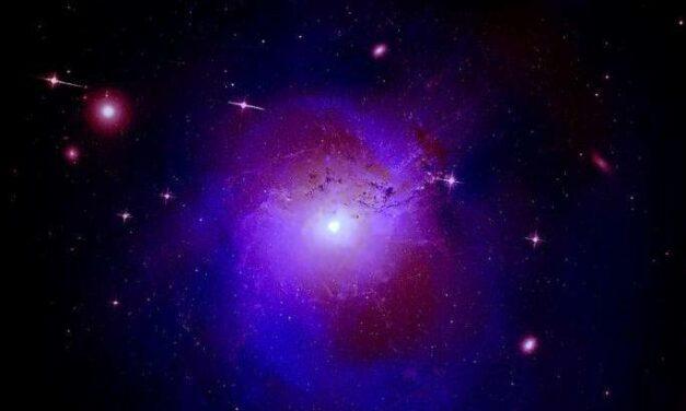 Nuovi indizi sulla materia oscura dall'ammasso di Perseo