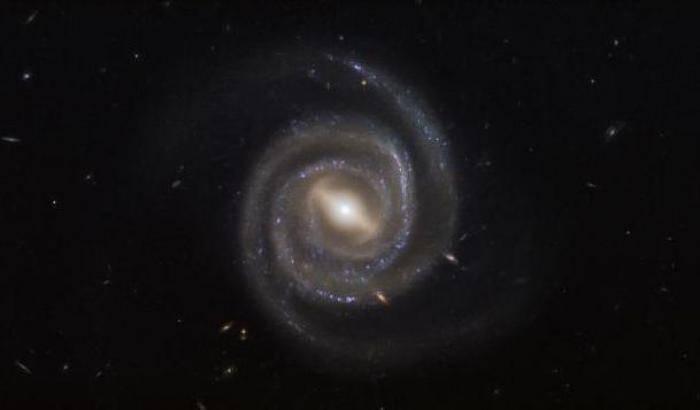 Ugc 6093, la galassia laser immortalata dal Telescopio Hubble
