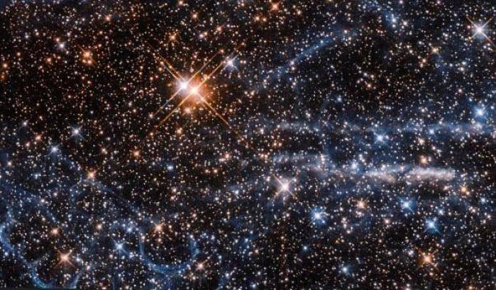 Indovina  da un'immagine il Film - Pagina 12 Un-Favo-e-una-Tarantola-per-Hubble