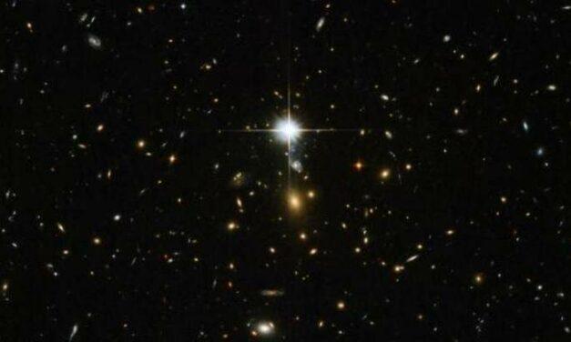 Un cluster massiccio per Hubble