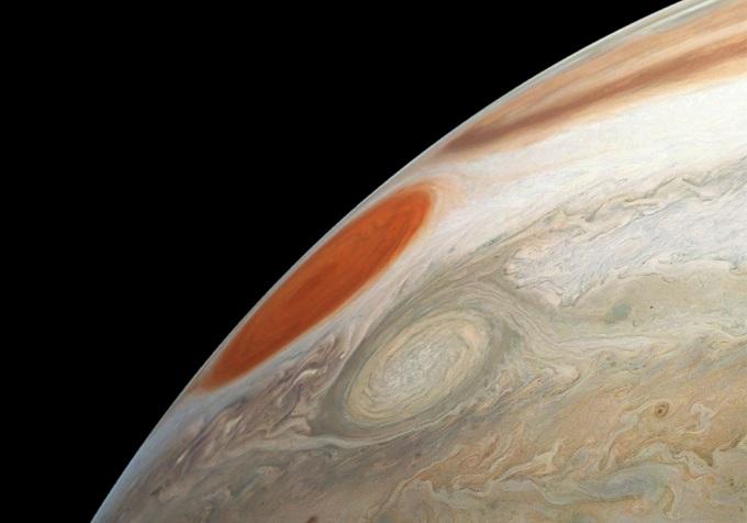 Scatti turbolenti per Juno