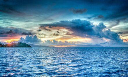Clima, così cambierà il colore del mare