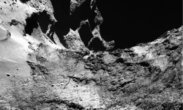 Il collo stressato della cometa di Rosetta