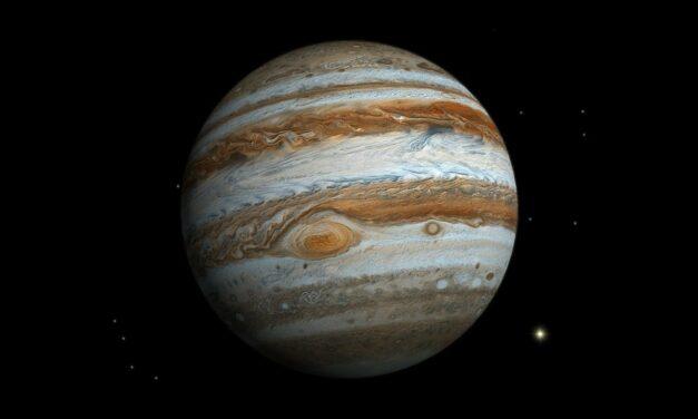 Il campo magnetico di Giove muove le acque di Europa