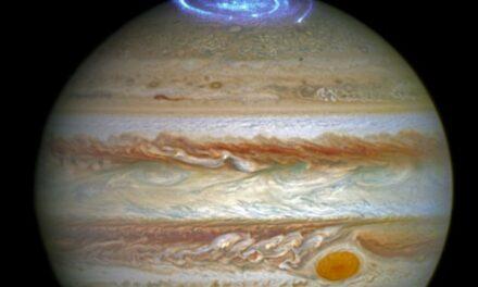 Come si generano le aurore gioviane