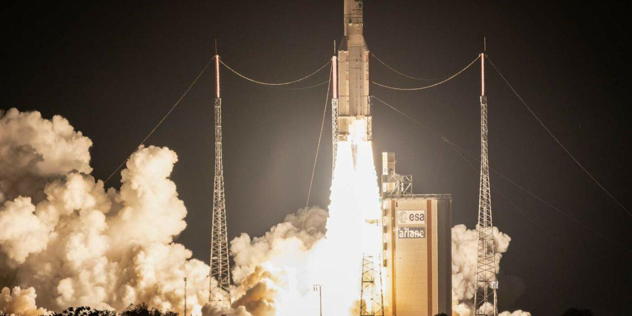 Ariane 5 torna a lanciare