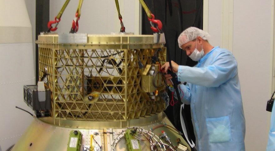 Dragracer, un satellite per la spazzatura spaziale