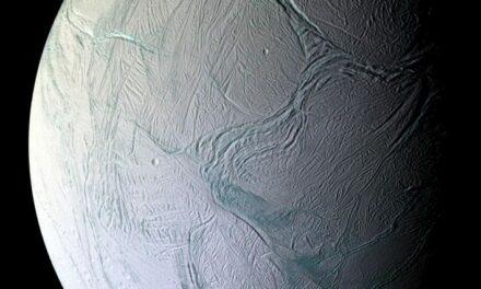 Encelado, cannone spara neve