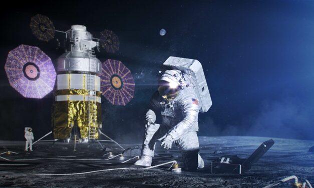 In tuta sulla Luna