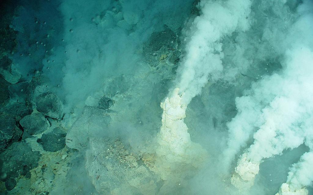 Camini idrotermali, ecco la culla della vita primordiale