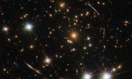 Un 'caleidoscopio' galattico per Hubble