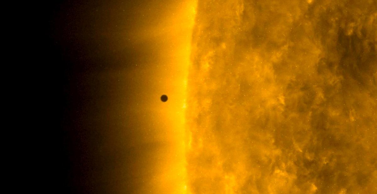 Mercurio sfila davanti al Sole