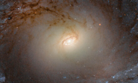 Fermo immagine sui turgori galattici di IC 2051