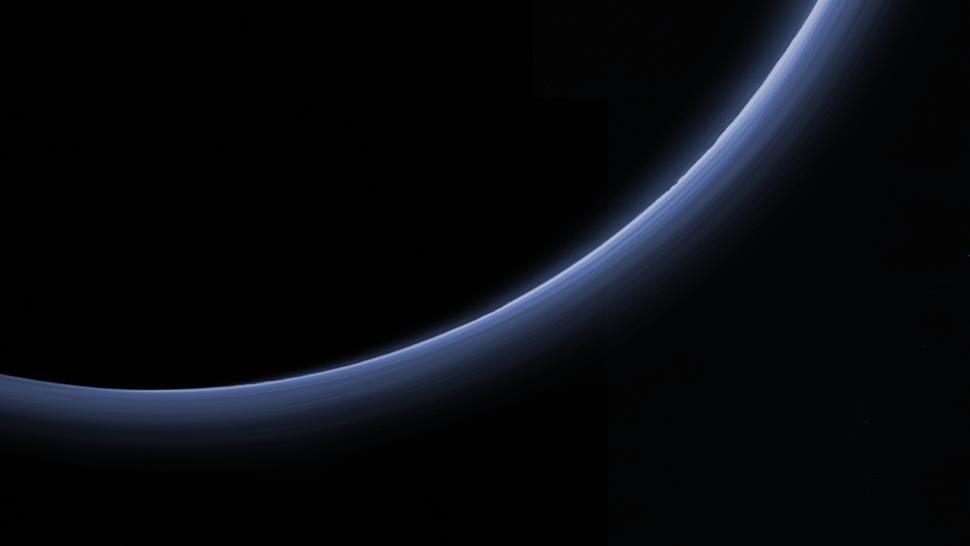 Nebbia su Plutone e Titano, il mistero si infittisce