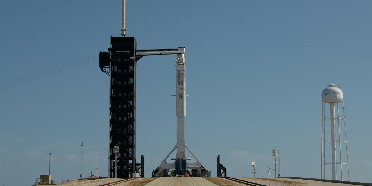 Crew Dragon in rampa di lancio