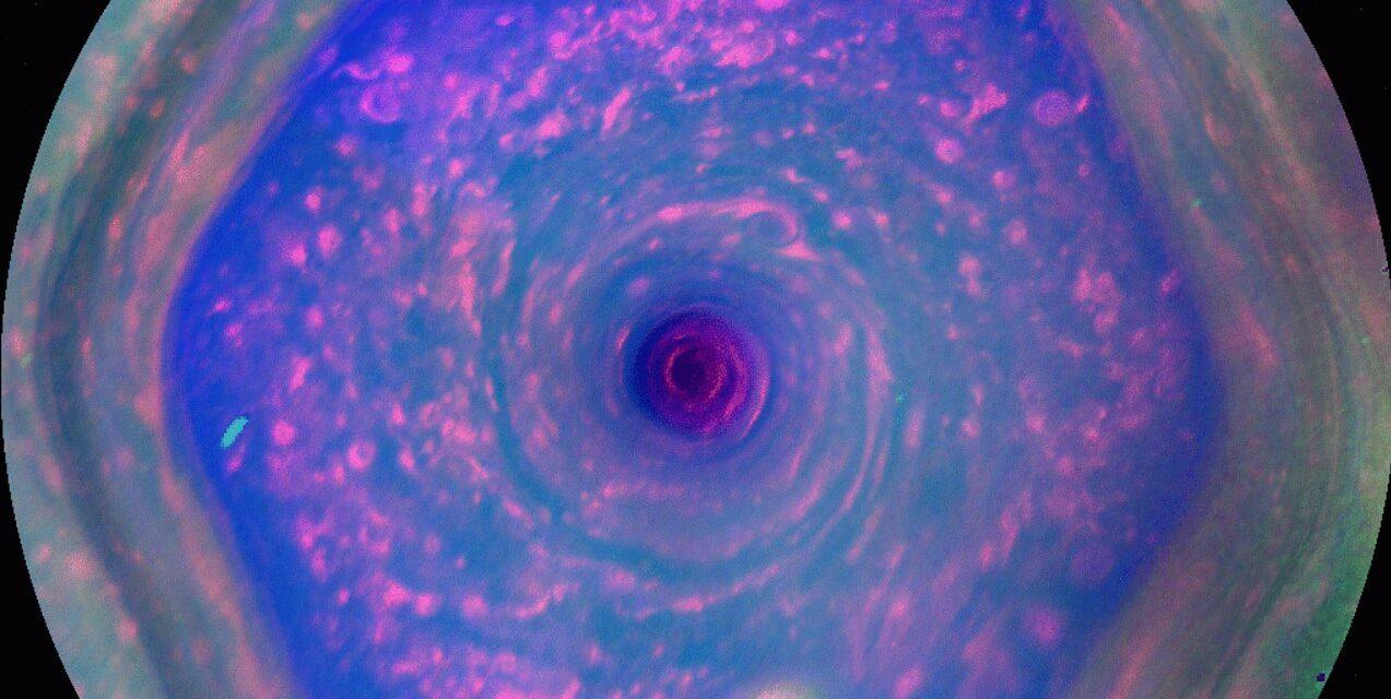 'Meteo' nebbioso per Saturno