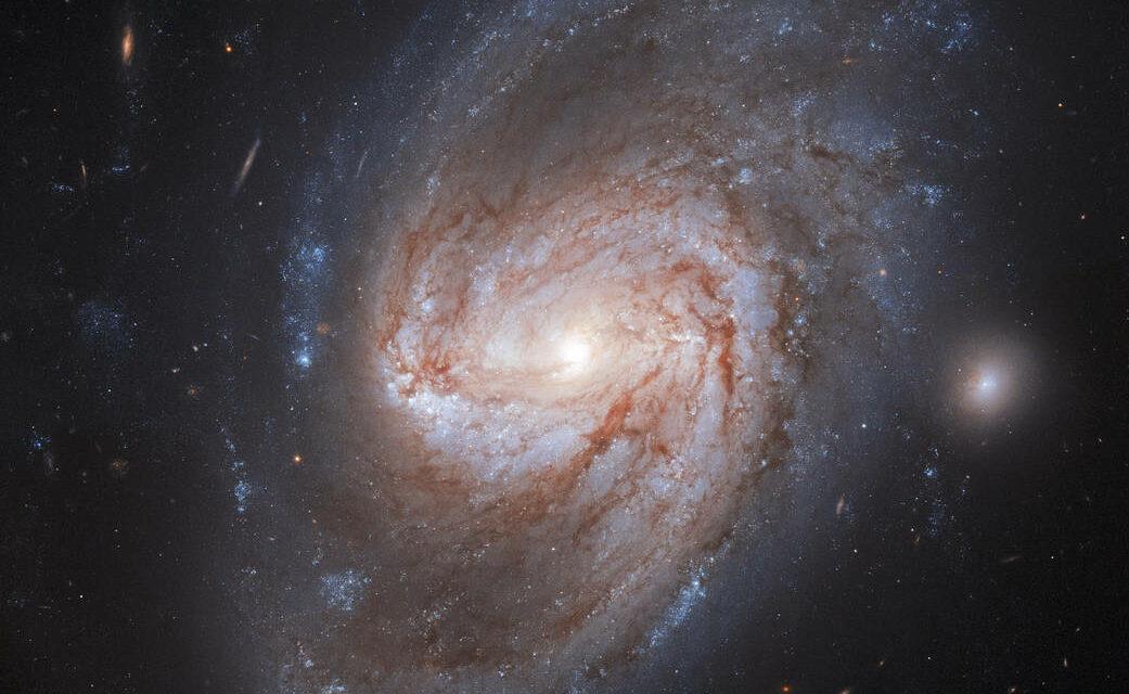 Una galassia molto luminosa per Hubble