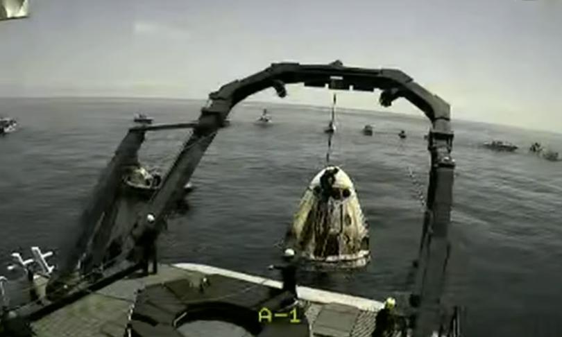 La capsula Dragon Crew ammara nel Golfo del Messico