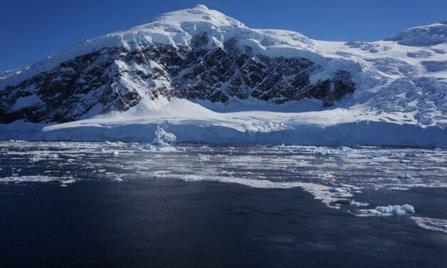 Due dei più importanti ghiacciai antartici vanno verso la disintegrazione