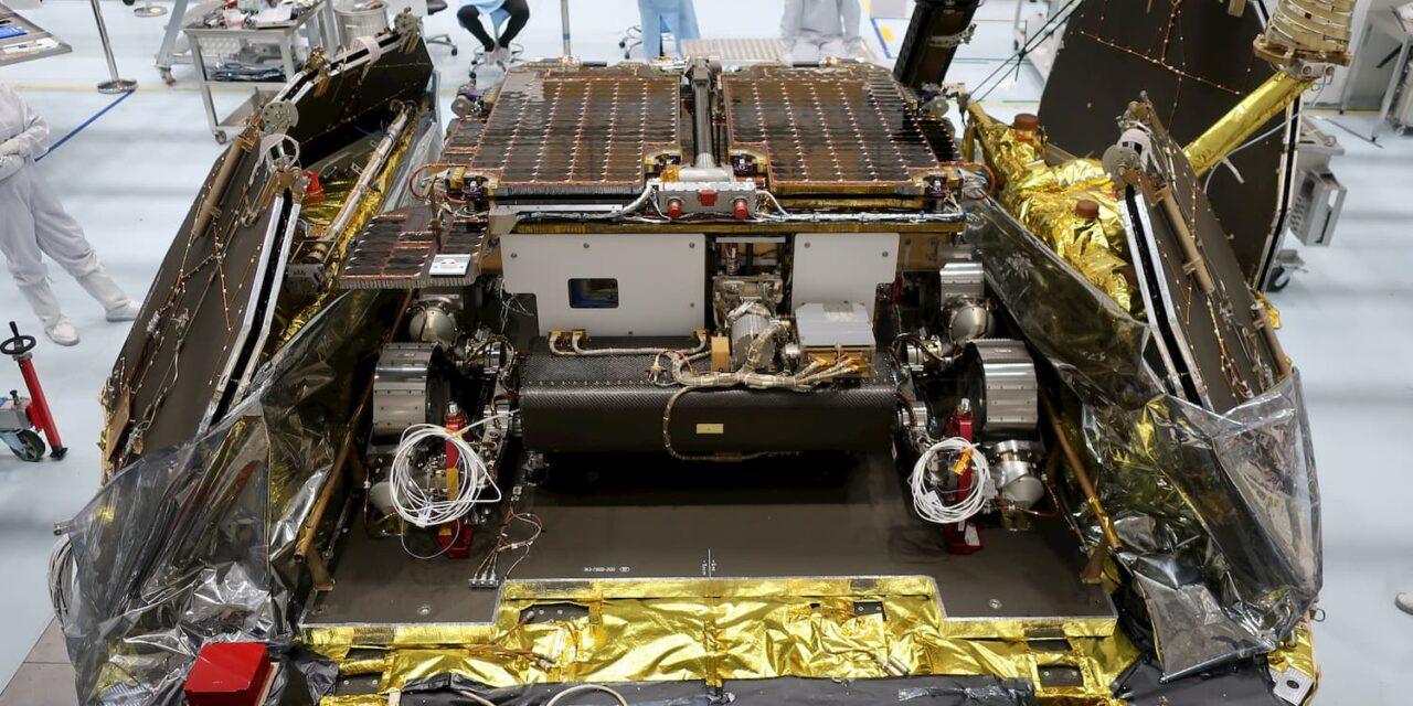 Il rover di ExoMars si unisce alla piattaforma