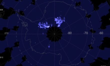 Nubi brillanti sull'estate antartica