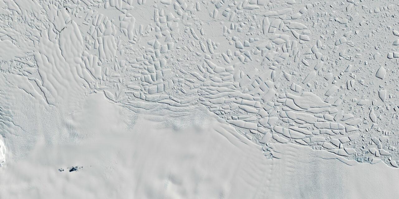 Laghi subglaciali in movimento